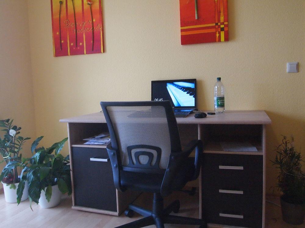 Endlich ein Schreibtisch